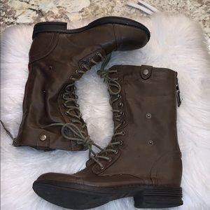 Madden Girl Bowen zip ups boots sz 8